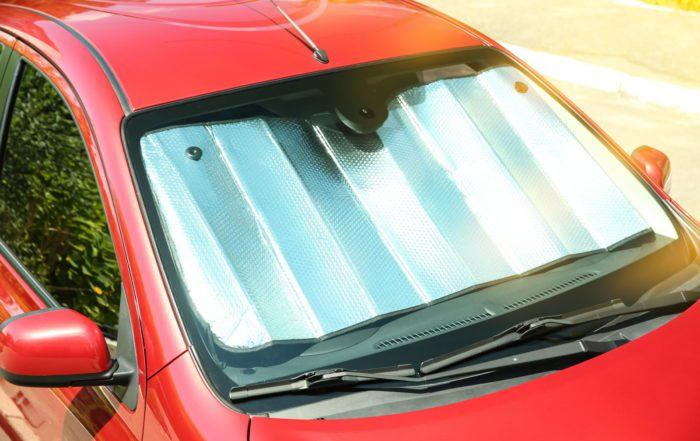 Stationnement : laisser sa voiture au soleil, le danger de l'été